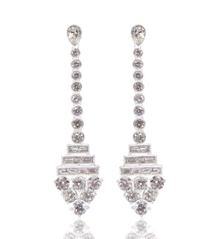 Pear Cut 18K Gold Diamond Earrings For Sale
