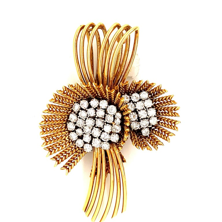 Women's 18 Karat Gold Diamond Retro Flower Brooch Pin For Sale
