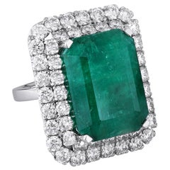 Zambian Emerald 18k White Gold White Diamond Cocktail Ring