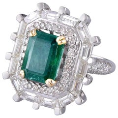 18 Karat Gold Emerald White Diamond Cocktail Ring