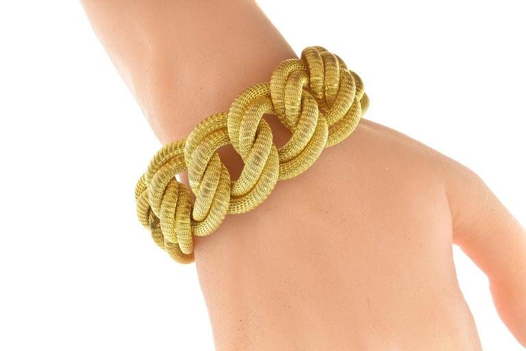 Women's or Men's 18 Karat Gold Large Bracelet, circa 1960 For Sale