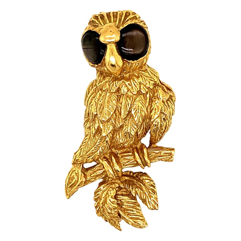 18K Gold Owl Brooch Pin For Sale