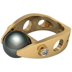 18 Karat Gold Ring Tahitian Pearl and .30 Carat F VS1 Brilliant Cut Diamonds