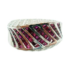 18K Gold Ring Band w/ 1.38ct Total Genuine Rubies & .17ct Total Diamonds #J2820