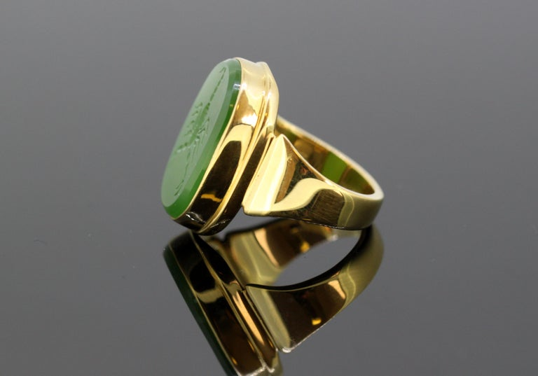 18 Karat Gold Ring With Scorpion Scorpio Natural Jade