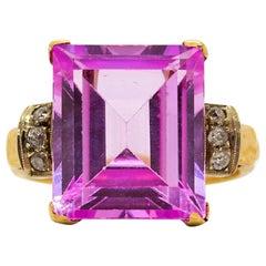18 Karat Gold Rose de France and Diamonds Ring