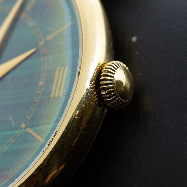 Women's or Men's 18k Gold Van Cleef & Arpels 17 Jewel Stem Wind Wristwatch with Malachite Dial For Sale