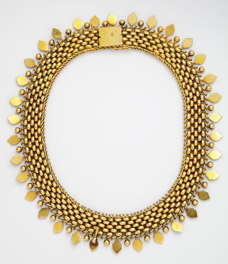 18 Karat Gold Victorian Necklace In Good Condition For Sale In New York, NY