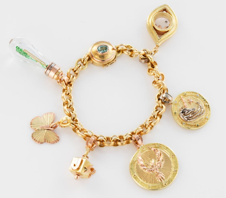 Contemporary 18 Karat Handmade Link Chain Charm Set Bracelet For Sale