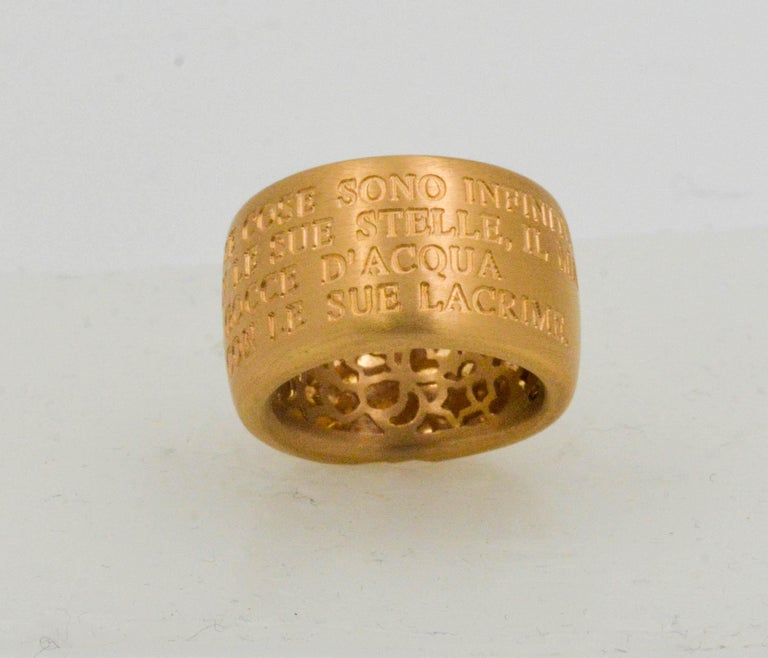 18 Karat Italian Yellow Gold French Quote with Heart Ring In Excellent Condition For Sale In Dallas, TX
