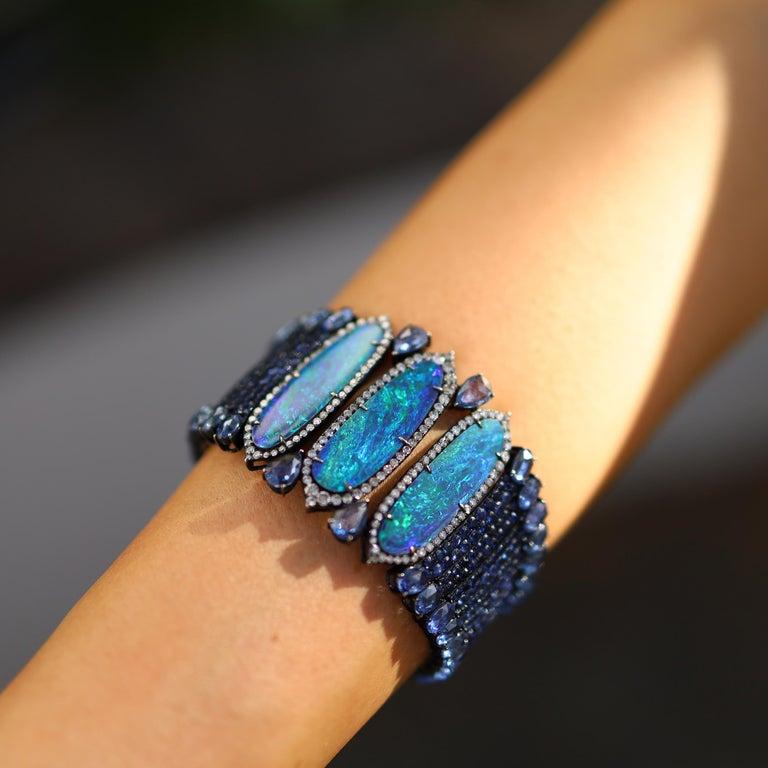 Women's 18k White Gold 8.9 Karat Opal 0.9 Karat Sapphire 0.01 Karat Diamond Bracelet For Sale