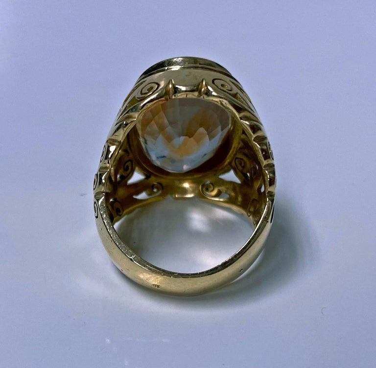 18 Karat Large Citrine Ring, circa 1950 In Good Condition For Sale In Toronto, ON
