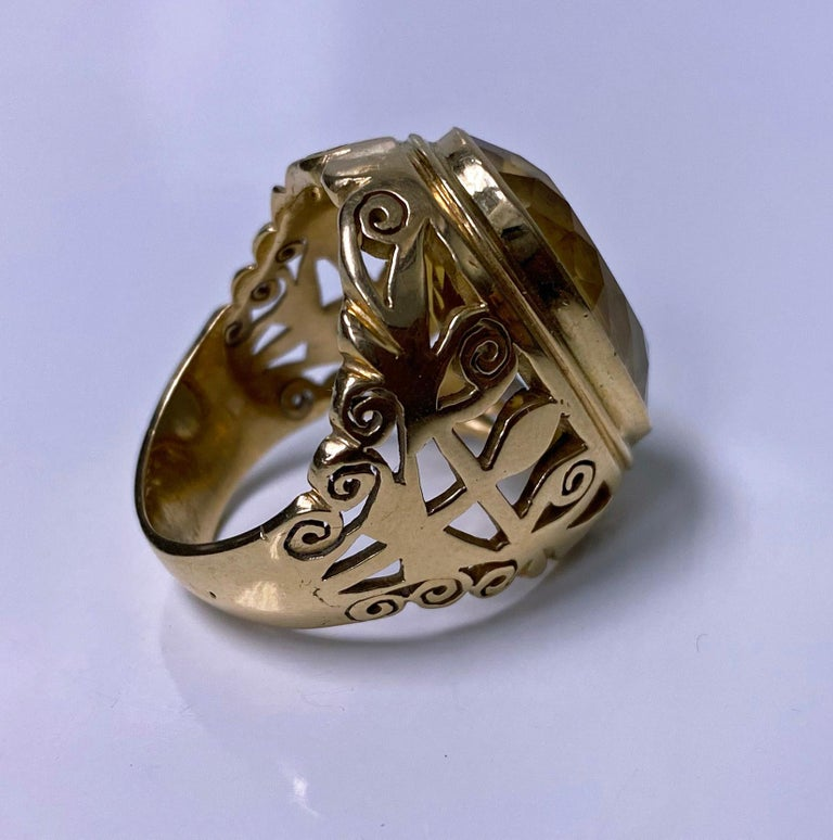 Women's or Men's 18 Karat Large Citrine Ring, circa 1950 For Sale