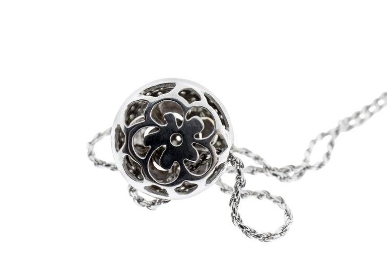 Modern 18 Karat Rose and White Gold Flower Pendant Necklace For Sale