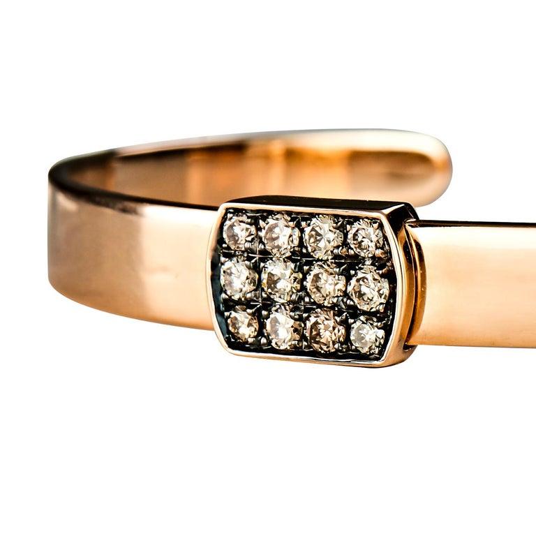 Round Cut 18 Karat Rose Gold Brown and Black Diamond Bangle For Sale