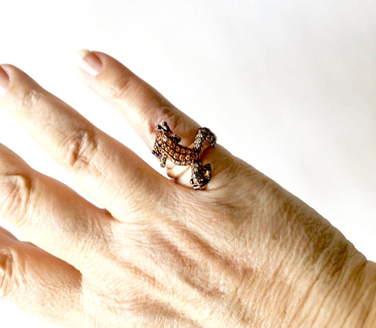 18 Karat Rose Gold Gemstone Leaping Frog Ring In Good Condition For Sale In Los Angeles, CA