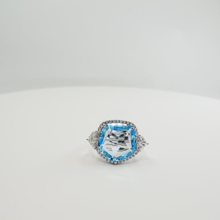 Contemporary 18K Rough Star Cut Baby Blue Topaz Diamond Cocktail Ring, Powder Blue, Statement For Sale