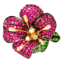 18k Ruby Flower Ring / Pendant 2 in 1 with Diamonds and Green Garnet Exquisite