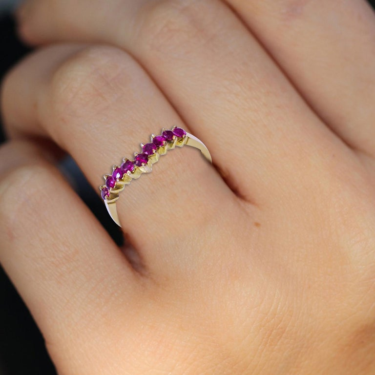 18 Karat Ruby Ladies Ring In Excellent Condition For Sale In Jackson Heights, NY