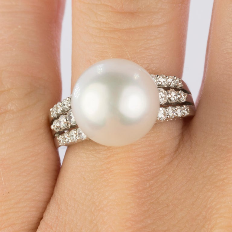 18 Karat South Sea Pearl Ring In Excellent Condition For Sale In Sarasota, FL