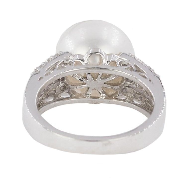 Women's or Men's 18 Karat South Sea Pearl Ring For Sale