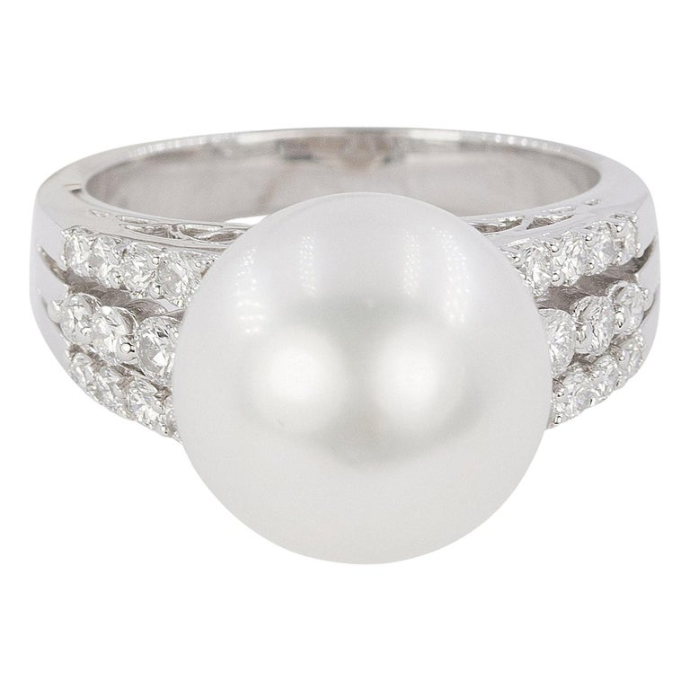 18 Karat South Sea Pearl Ring For Sale