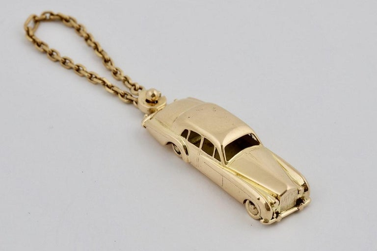 Contemporary 18 Karat Vintage Cartier Rolls Royce Keychain with Moveable Wheels For Sale