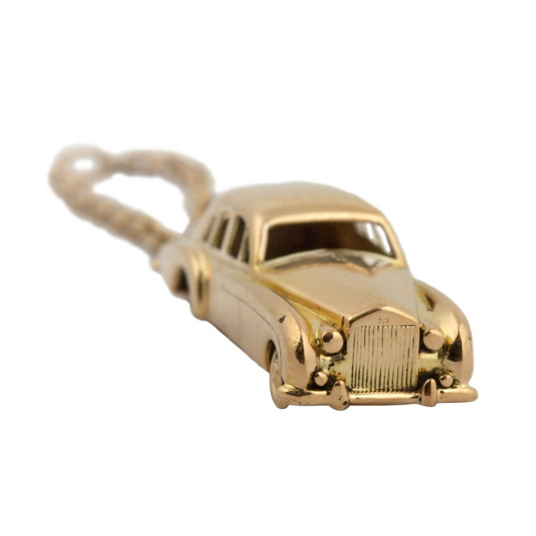 18 Karat Vintage Cartier Rolls Royce Keychain with Moveable Wheels For Sale 3