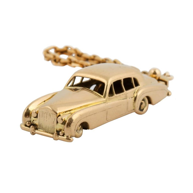18 Karat Vintage Cartier Rolls Royce Keychain with Moveable Wheels For Sale 4