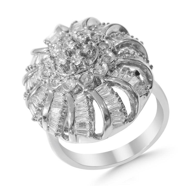 18 Karat Vintage Diamond Set Earring and Ring For Sale 5