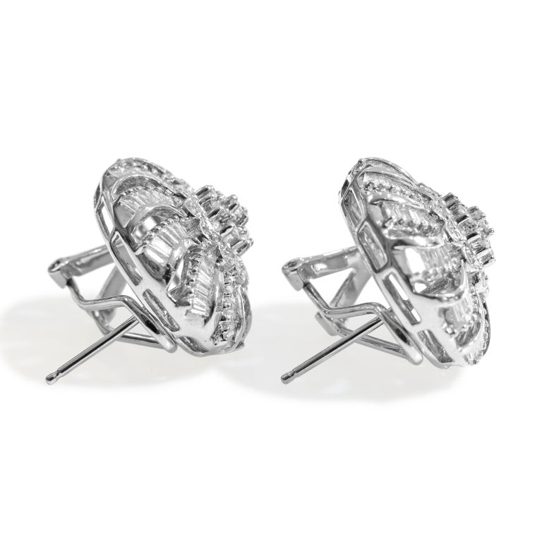 18 Karat Vintage Diamond Set Earring and Ring In New Condition For Sale In Jackson Heights, NY