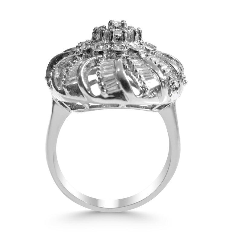 18 Karat Vintage Diamond Set Earring and Ring For Sale 3