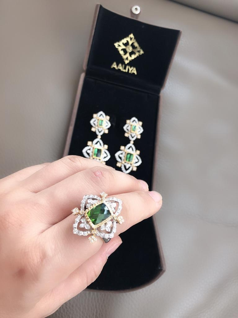 Modern 18K White and Yellow Gold Green Natural Tourmaline with Diamonds Cocktail Ring For Sale