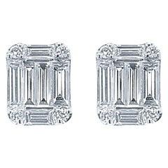 18 Karat White Gold 0.94 Carat Diamond Emerald Cluster Earrings