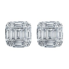 18 Karat White Gold 1.09 Carat Diamond Emerald Cluster Earrings