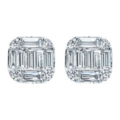 18 Karat White Gold 1.14 Carat Diamond Stud Earrings