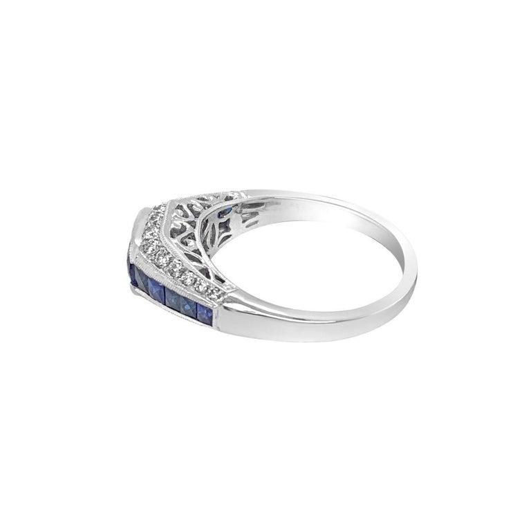 Women's 18 Karat White Gold 1.50 Carat Sapphire and Diamond Ring For Sale