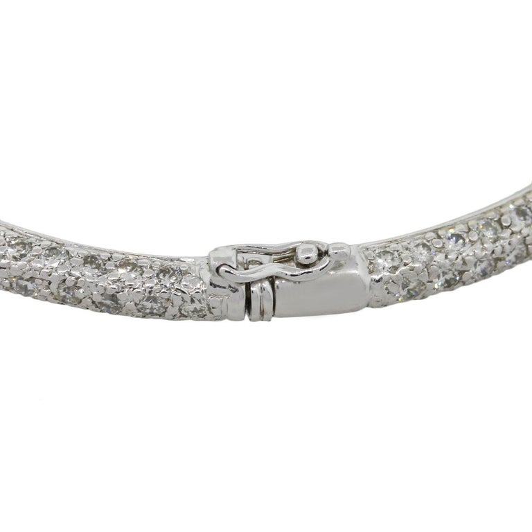 18 Karat White Gold 4.58 Carat Diamond Pave Bangle In Excellent Condition For Sale In Boca Raton, FL