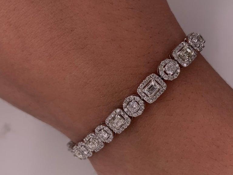 18 Karat White Gold 8.00 Carat Diamond Bracelet For Sale 1