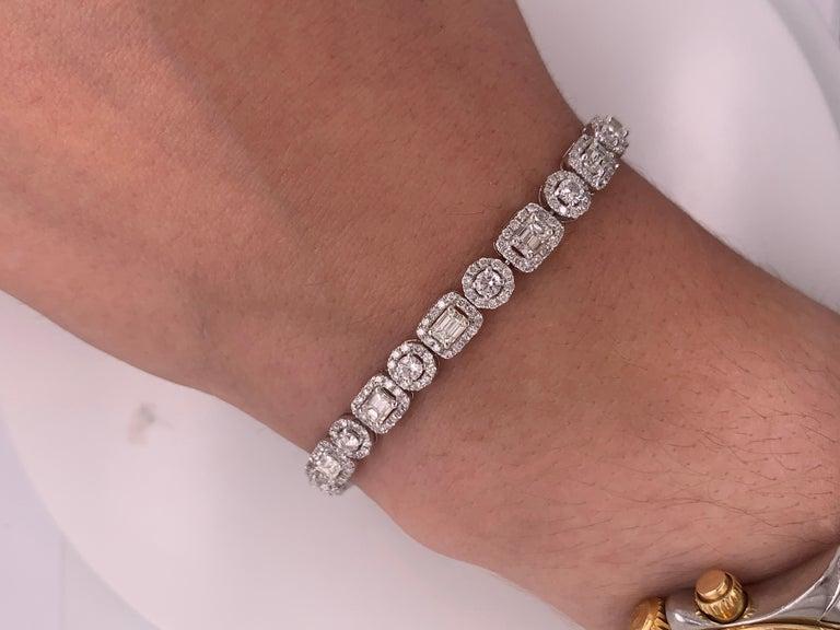 18 Karat White Gold 8.00 Carat Diamond Bracelet For Sale 2