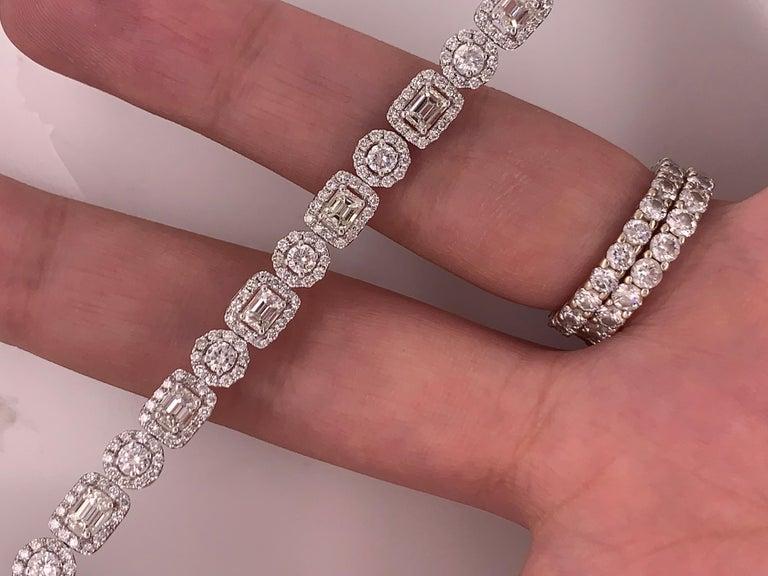 18 Karat White Gold 8.00 Carat Diamond Bracelet For Sale 3