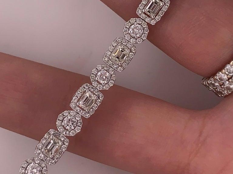 18 Karat White Gold 8.00 Carat Diamond Bracelet For Sale 4