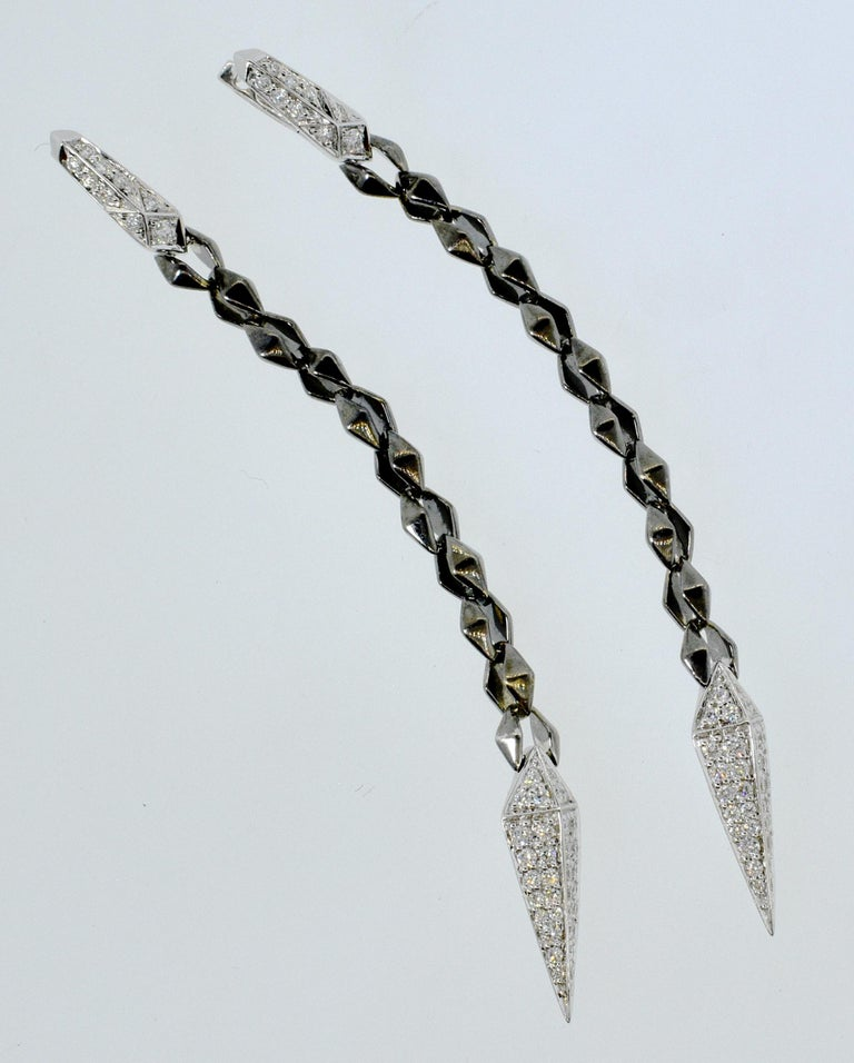 18 Karat White Gold and Diamond Earrings In Excellent Condition For Sale In Aspen, CO