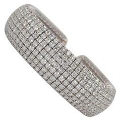 18k White Gold and Round Brilliant Cut Diamond Flexible Bangle Bracelet