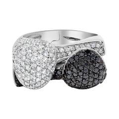 18k White Gold Black and White Diamond Cocktail Ring