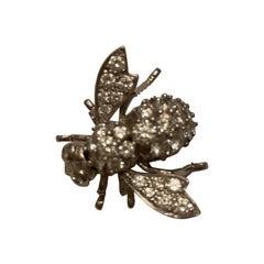 18 Karat White Gold Diamond Bee Pin