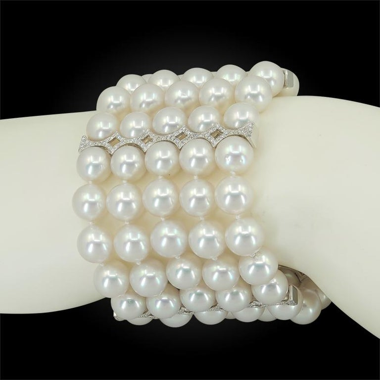18 Karat White Gold Diamond, Carved Sapphire, Pearl Bracelet In Good Condition For Sale In New York, NY