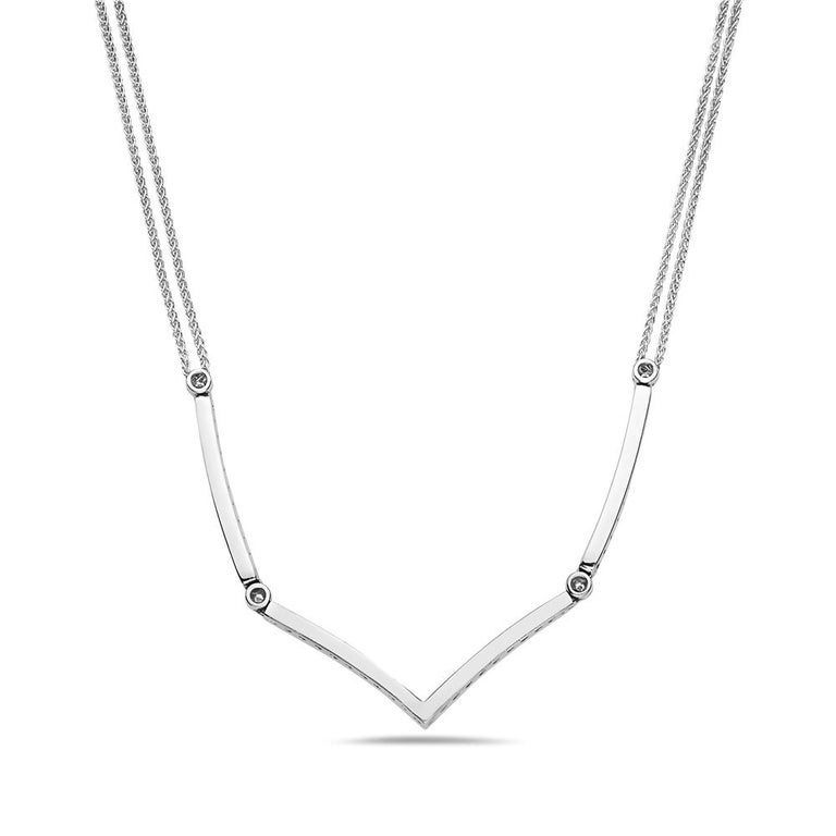 Contemporary 18 Karat White Gold Diamond Necklace For Sale