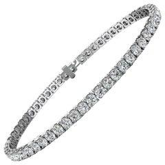 18k White Gold Four Prongs Diamond Tennis Bracelet '8 Ct .tw'