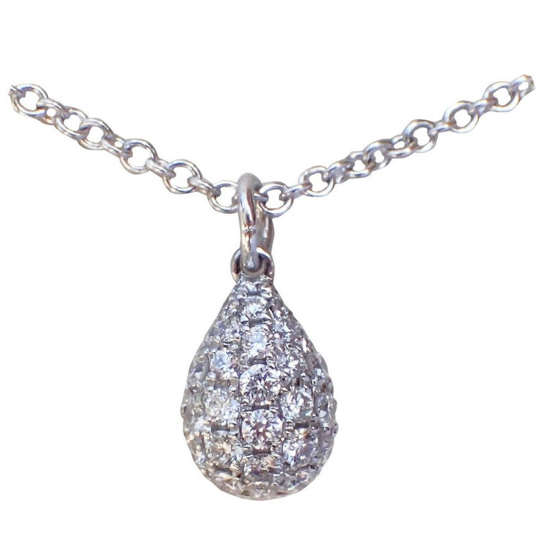 18 Karat White Gold Necklace with a 0.23 Carat Pavé Diamond Droplet Pendant